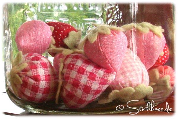 Erdbeeren-hinter-glas