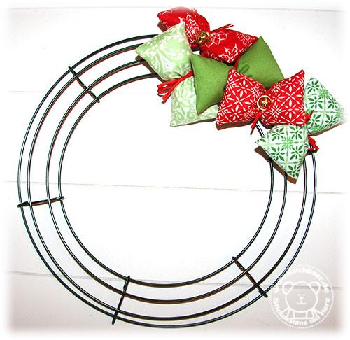 Stickbaer-Moda-Weihnachtskranz-8