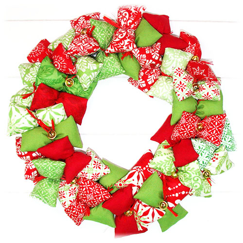 Stickbaer-Moda-Weihnachtskranz-9