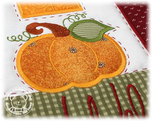 Stickbaer-Autumn-Welcome-House-Tati-10