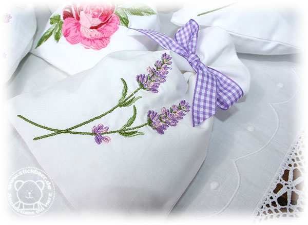 Stickbaer-Lavendelsaeckchen-Tati-4